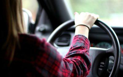 Errores más comunes en los conductores novatos al volante.